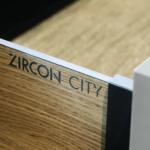 MK01-Zerox-XT-Umbra_Karo-FM-City-Brown-Oak_D02_HR